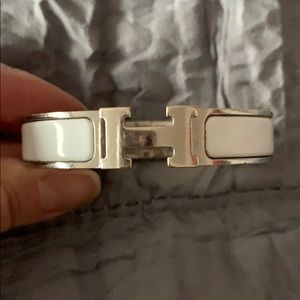 Authentic Hermes PM white Clic H